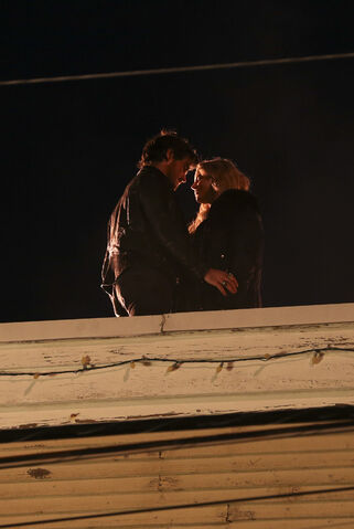File:Once Upon a Time - 5x17 - Her Handsome Hero - Publicity Images - Hook and Emma 2.jpg