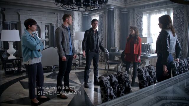 File:Once Upon a Time - 5x06 - The Bear and the Bow - Mayors Office.jpg