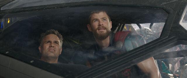File:Thor Ragnarok 52.jpg