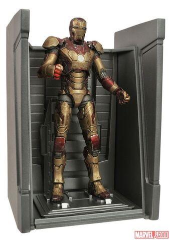 File:Disney-Store-Marvel-Select-Iron-Man-Mark-42-002.jpg
