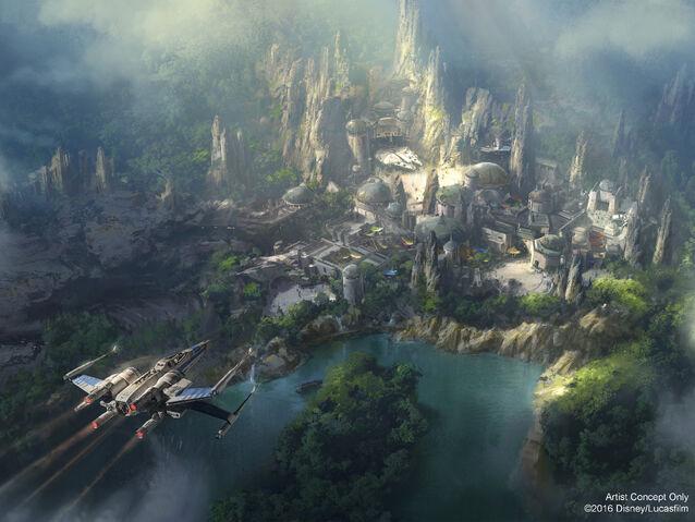 File:Star-Wars-Themed-Land-Disneyland.jpg