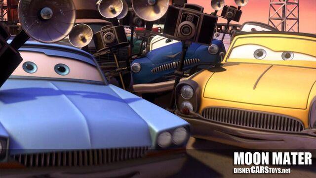 File:1000px-WM Cars Toon Moon Mater Screen Grab 01.jpg