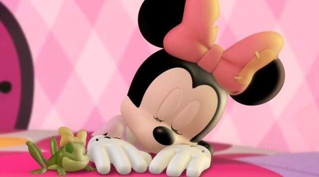 File:Mickey 00 04 52 00000.jpg