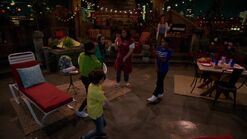 Raven's Home - 1x01 - Baxters Back! - Dancing