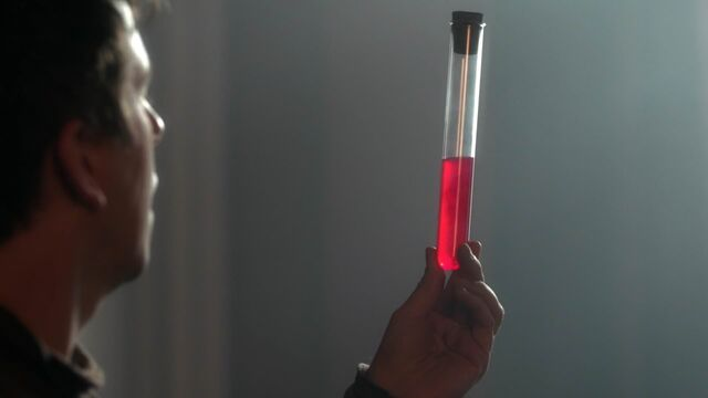 File:Once Upon a Time - 5x23 - An Untold Story - Serum.jpg