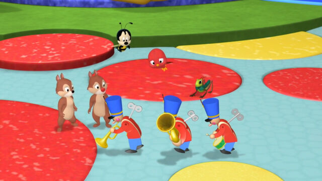 File:Toy marching band winded down.jpg