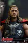 Thor AOU Hot Toys 16