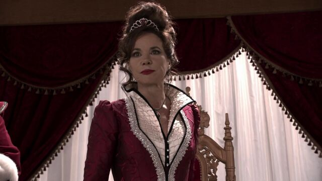 File:Once Upon a Time - 2x09 - Queen of Hearts - Cora, the Queen of Hearts.jpg