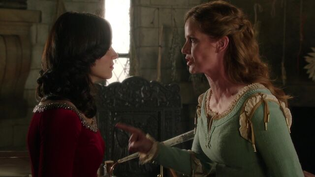 File:Once Upon a Time - 5x03 - Siege Perilous - Sisters arguing.jpg