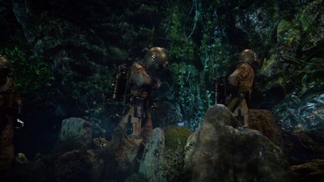 File:Once Upon a Time - 6x06 - Dark Waters - Searching for Treasure.jpg