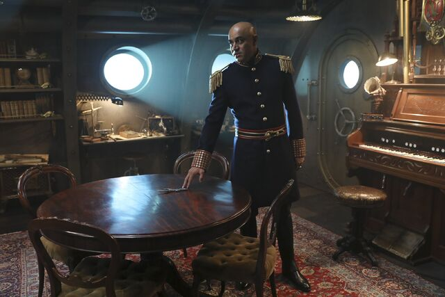 File:Once Upon a Time - 6x06 - Dark Waters - Photgraphy - Captain Nemo 5.jpg