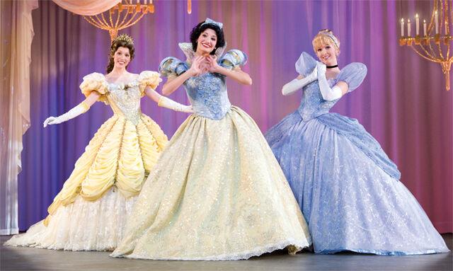 File:660 x 395 Disney Live 2012.jpg
