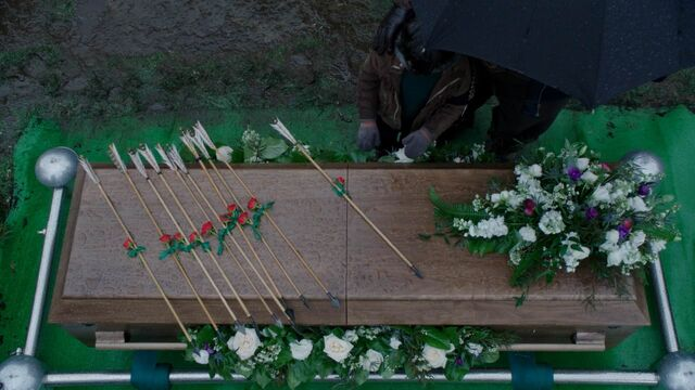 File:Once Upon a Time - 5x21 - Last Rites - Coffin.jpg