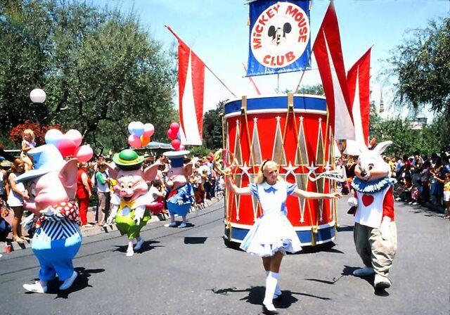 File:Mickey mouse club parade.jpg