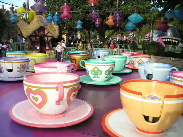 File:TeacupsMadTeaParty wb.jpg