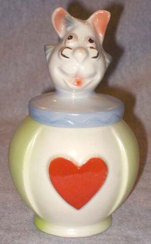 File:Regal white rabbit sugar 640.jpg