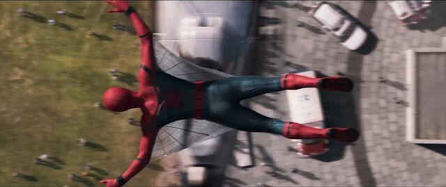 File:Spider-Man Homecoming 23.jpg