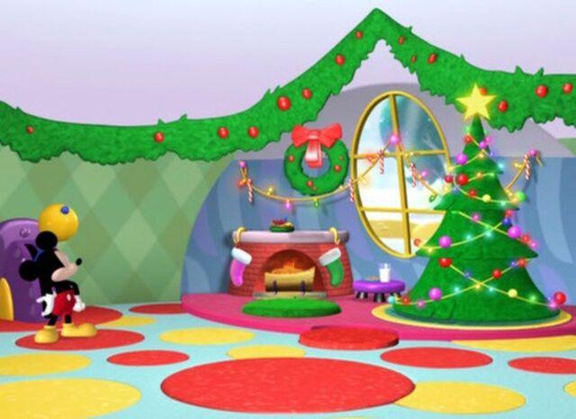File:Mickey-saves-santa-disneyscreencaps.com-204.jpg