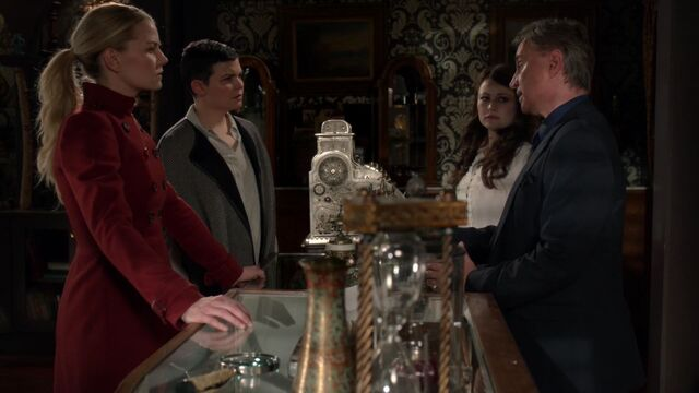 File:Once Upon a Time - 6x16 - Mother's Little Helper - Emma, Snow, Gold and Belle.jpg
