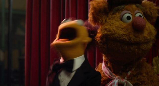 File:Muppets2011Trailer02-72.jpg