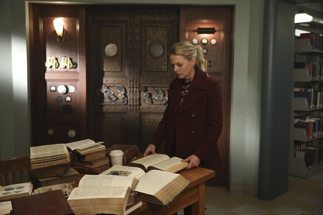 File:Once Upon a Time - 6x09 - Changelings - Photography - Emma.jpg