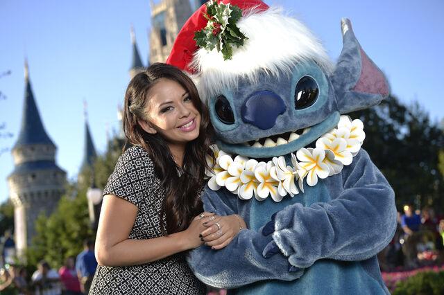 File:2015 Disney Parks Unforgettable Christmas Celebration 01.jpg