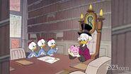 Scrooge-mcduck-piggy-bank-huey-louie-dewey-1180w-600h-780x440-1438883155