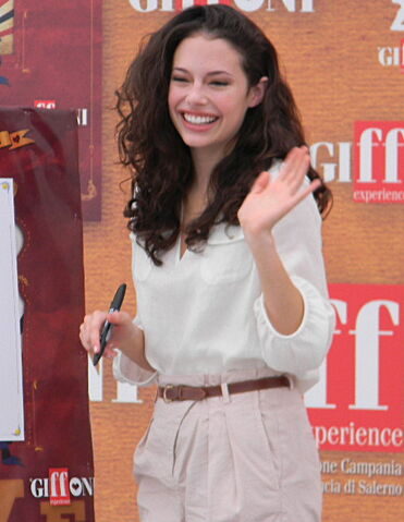 File:Chloe Bridges al Giffoni Film Festival 2010.jpeg