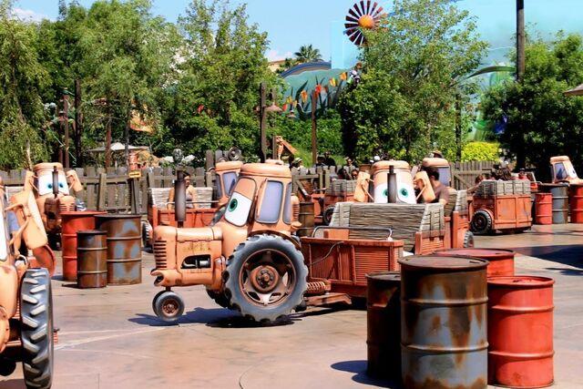 File:Mater's Junkyard Jamboree.jpg