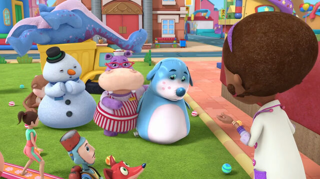 File:Hallie and chilly with an injured boppy.jpg