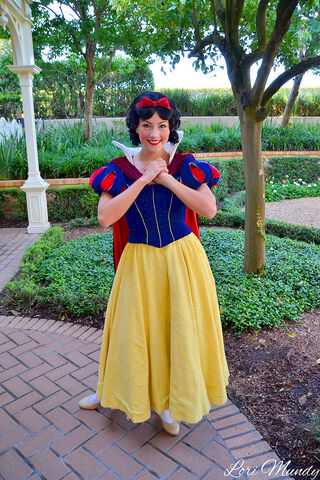 File:NewSnowWhite.jpg