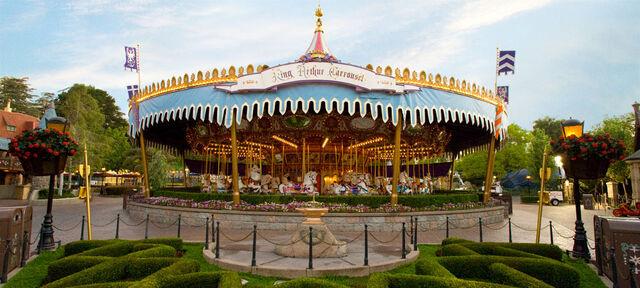 File:King-arthur-carrousel alt.jpg