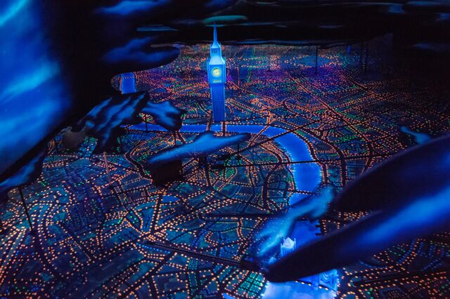 File:Peter-Pan's-Flight-in-Shanghai-Disneyland's-Fantasyland.jpg