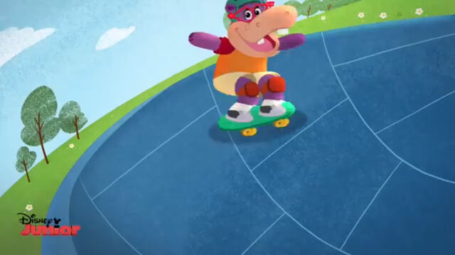 File:Animated hallie skateboarding.jpg