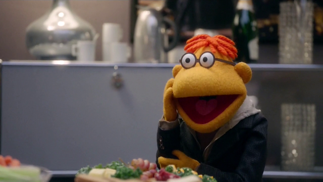 File:TheMuppets-S01E08-ScooterArms03.png