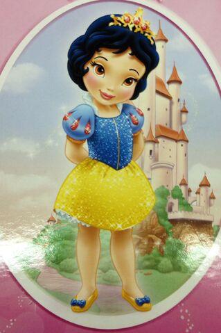 File:Toddler snow white redesign .jpg
