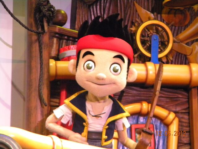 File:Disney-junior-live-on-stage-jake.JPG