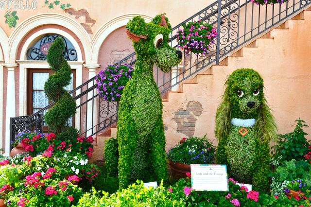 File:Lady and Tramp Topiary.jpg