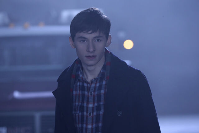 File:Once Upon a Time - 6x11 - Tougher Than the Rest - Photography - Henry.jpg