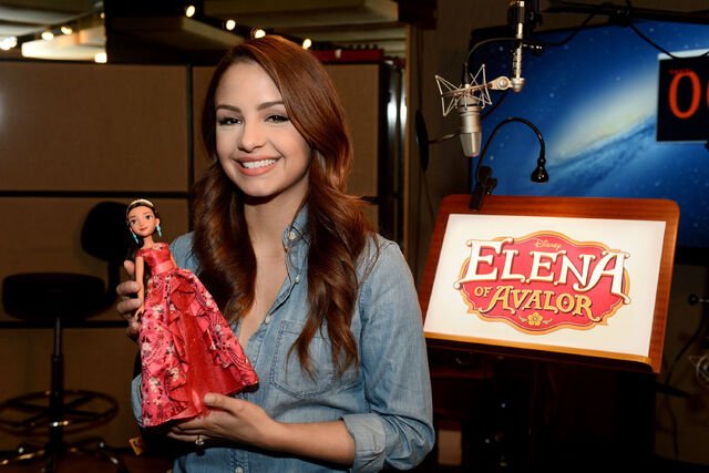 File:Elena-of-Avalor-Doll.jpg
