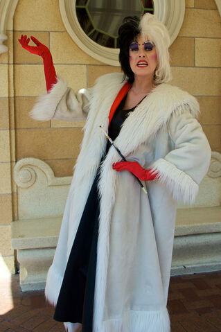 File:Cruella at Disney Parks 1.jpg