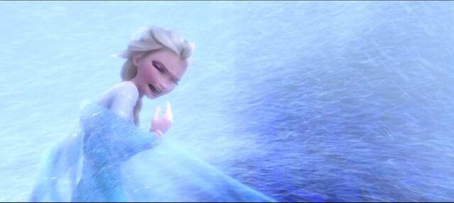 File:Frozen queen elsa.jpg