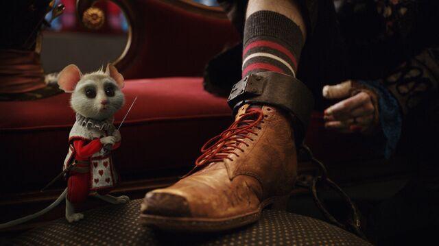 File:Tim Burtons Alice in Wonderland 50.jpg