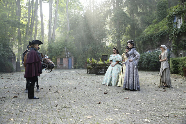 File:Once Upon a Time - 6x03 - The Other Shoe - Photography - Cinderella with Stepmother and Sisters.jpg