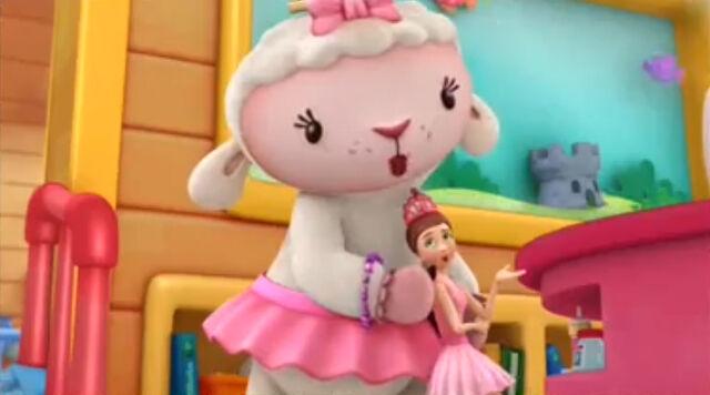 File:Lambie and dress up daisy4.jpg