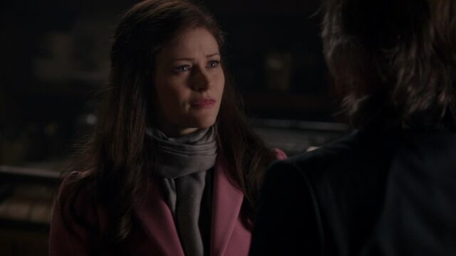 File:Once Upon a Time - 5x11 - Swan Song - Concerned Belle.jpg