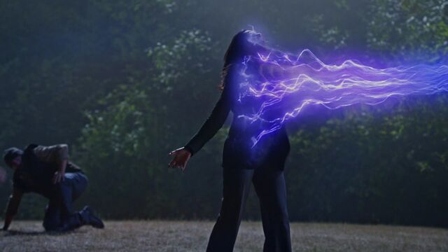File:Once Upon a Time - 5x02 - The Price - Regina Sacrifice.jpg