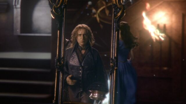 File:Once Upon a Time - 6x01 - The Savior - Rumplestiltskin Mirror.jpg