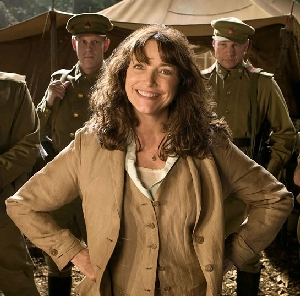 File:Marion ravenwood 08.jpg