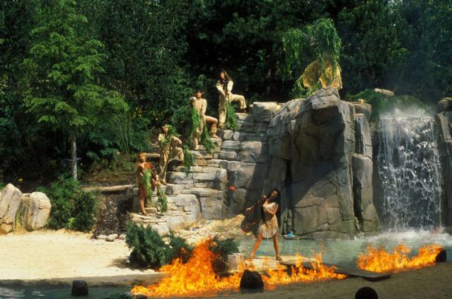 File:Pocahontas Show at Disneyland Paris.jpg
